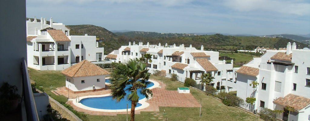 Flat with great views – 166k € Alcaidesa vistas lejos – RESERVADA / RESERVED